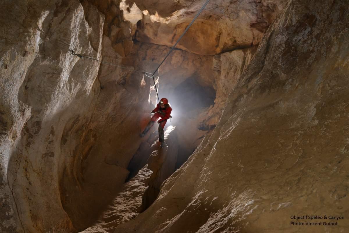 Découverte de grotte sur une journée avec initiation rappel