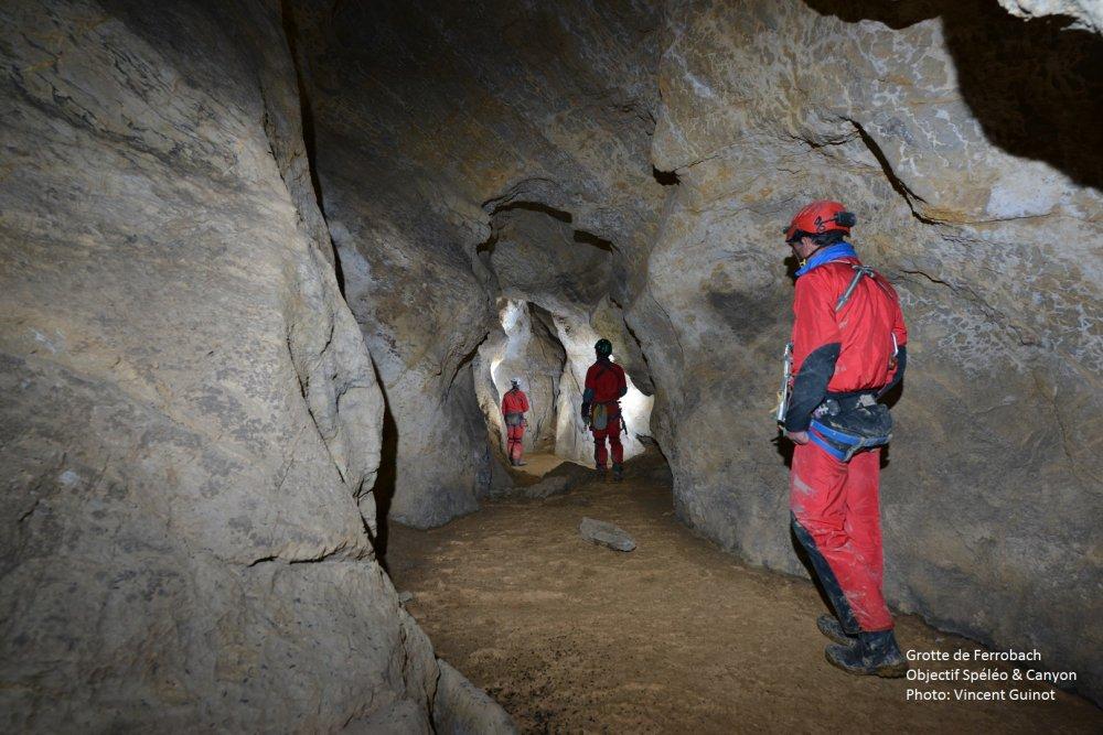 Visite de la Grotte de Ferrobach à Nescus